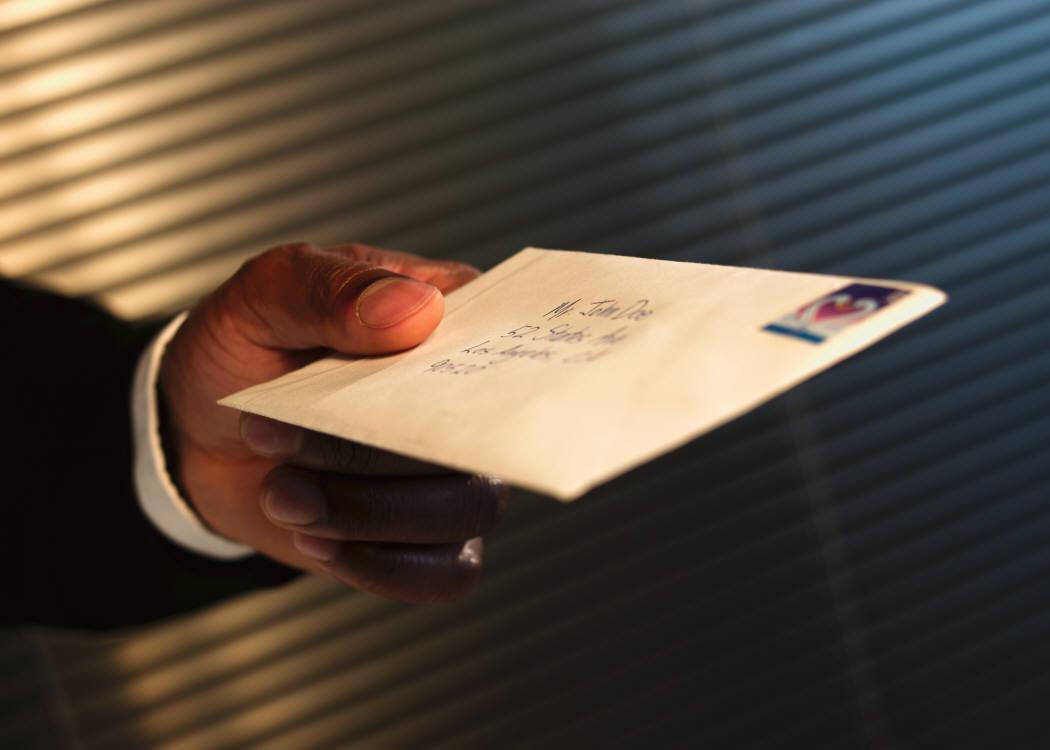 Если вы не отвечаете на письма, то умираете